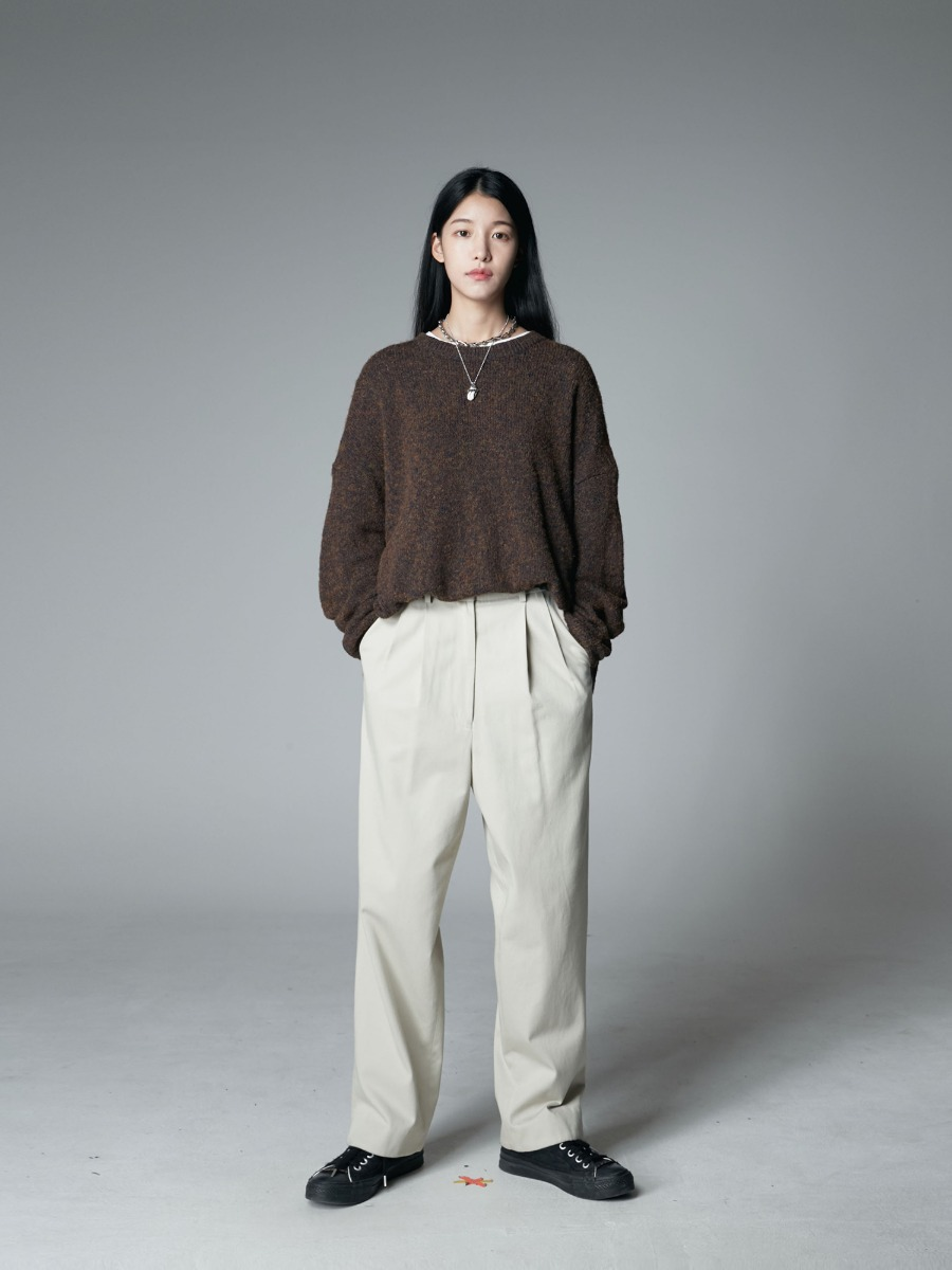 AUTUMN BROWN SWEATER